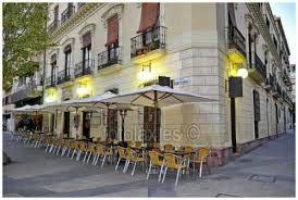 Habitacion en piso de lujo limpieza de mantenimiento for Pisos estudiantes almeria