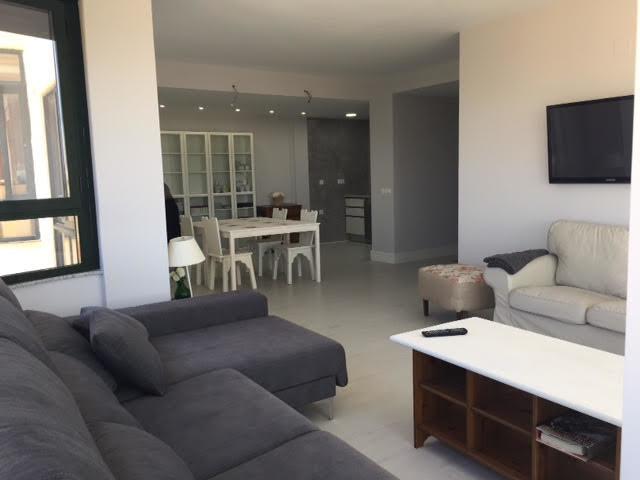 Habitación en piso precioso