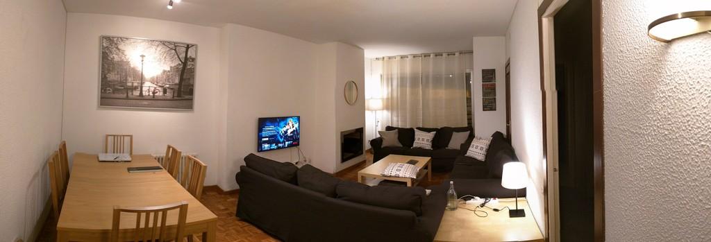Habitaci n con vestidor en sarri sant gervasi for Piso 1 habitacion barcelona