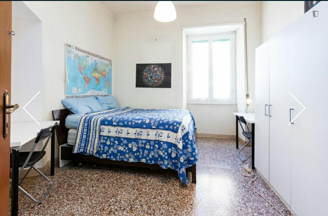 habitaciones-cama-de-matrimonio-en-garbatella-2b7c99c0ecebb517d16c25ab75f03d82