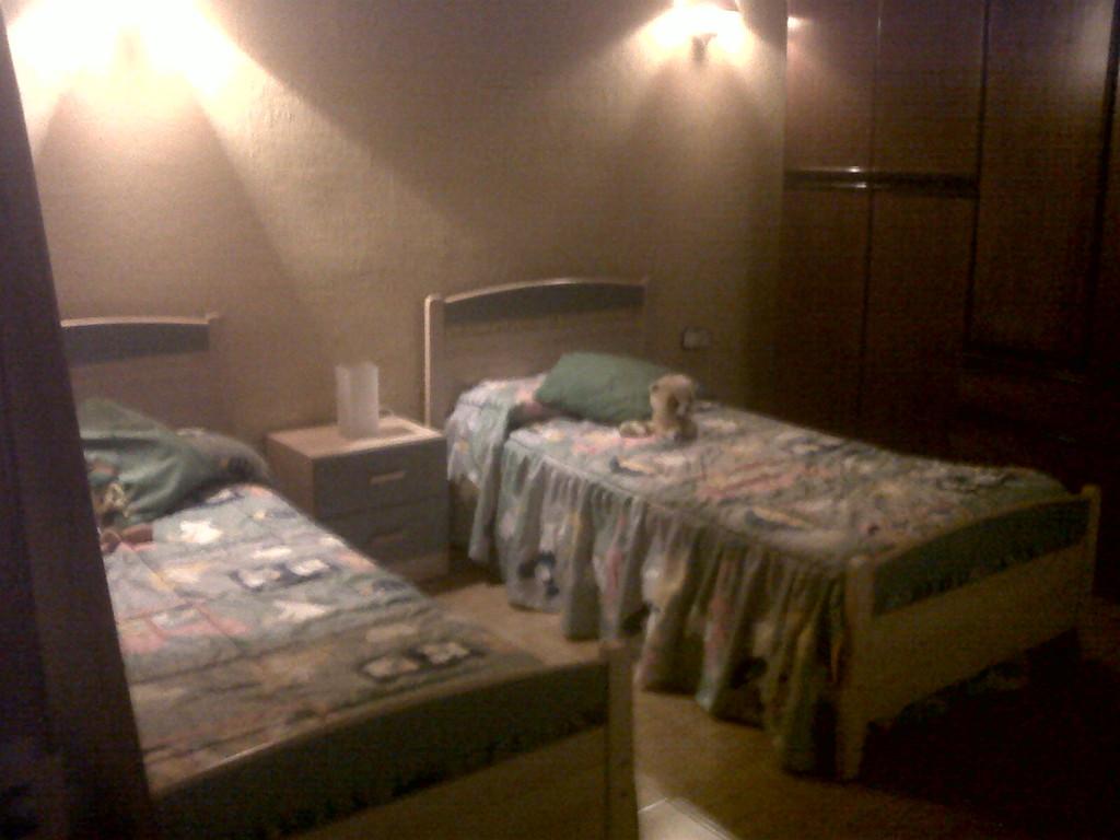 Habitaciones en casa chalet zona universitaria m laga for Habitaciones zona universitaria