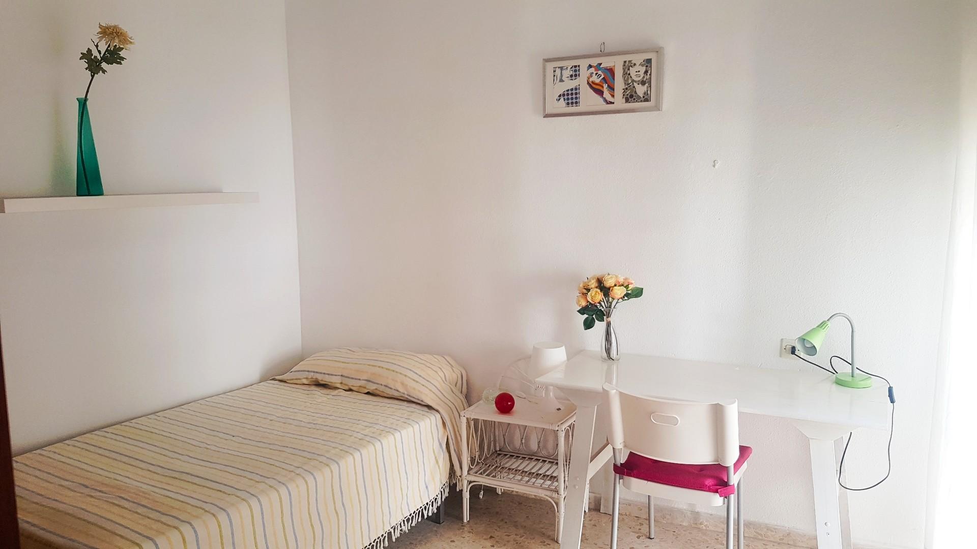habitaciones en casa de estudiantes en el centro de