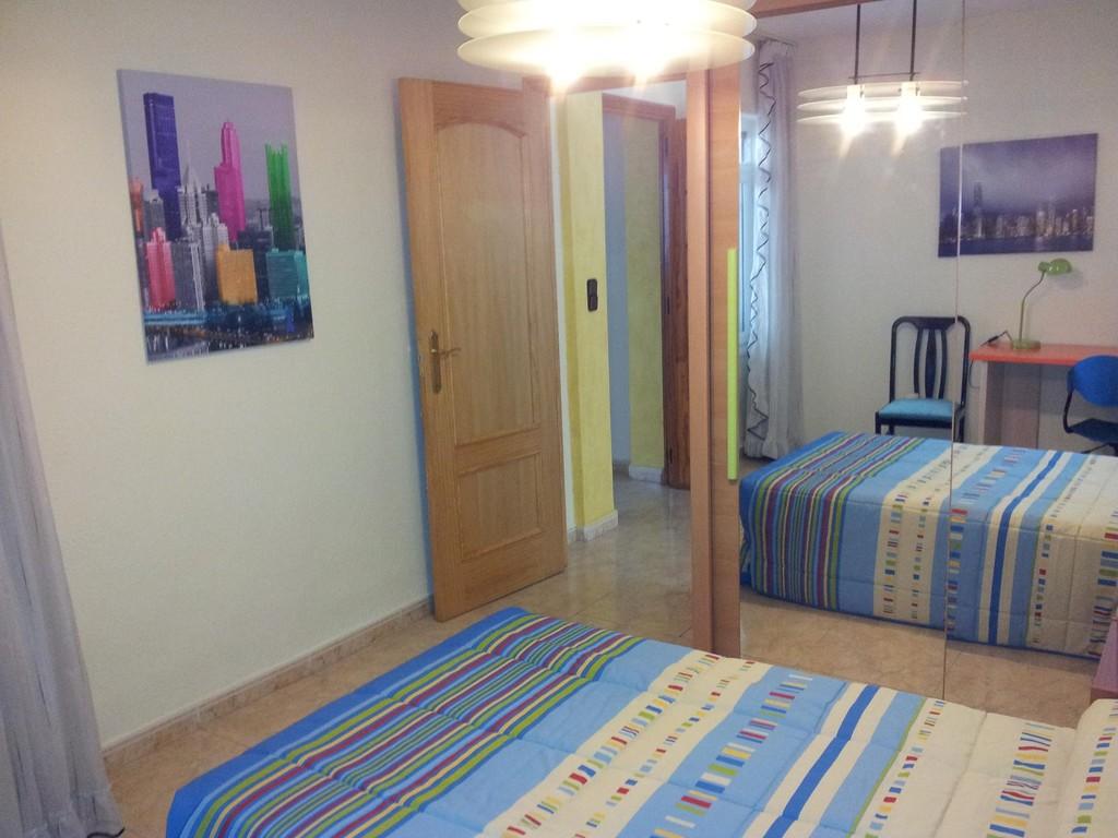 Estupenda y confortable habitaci n con wifi en alicante alquiler habitaciones alicante - Alquilo habitacion en alicante ...