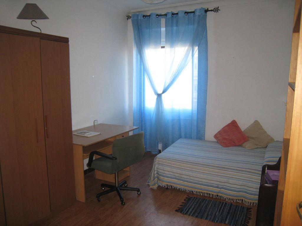 Habitaci n individual en piso amplio econ mico y soleado for Habitaciones para estudiantes universitarios