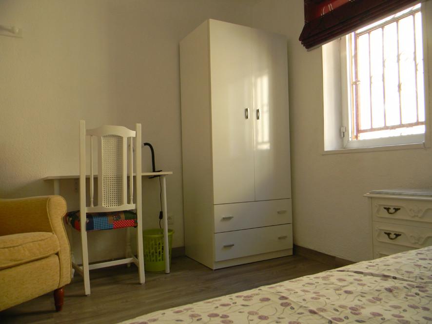 Estupenda habitaci n individual en granada centro no for Alquiler pisos granada centro