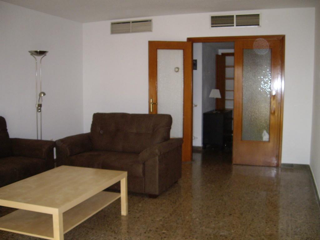 Habitaciones para estudiantes en piso compartido for Alquiler de habitacion en piso compartido