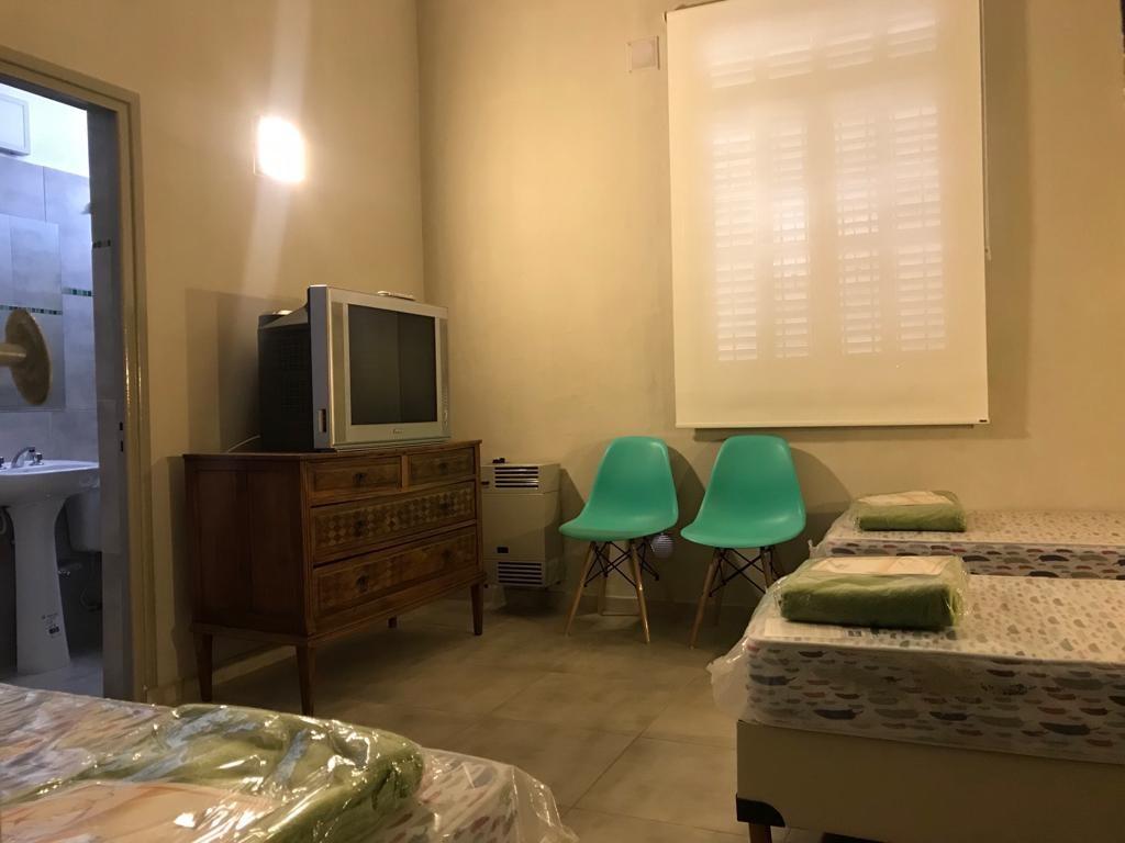 HABITACIONES EXCLUSIVAS  con baño privado calefacción TV Cable W
