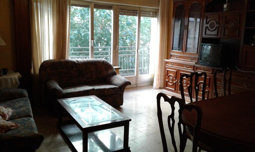 Habitaciones grandes en piso compartido en centro for Alquiler piso barrio salamanca