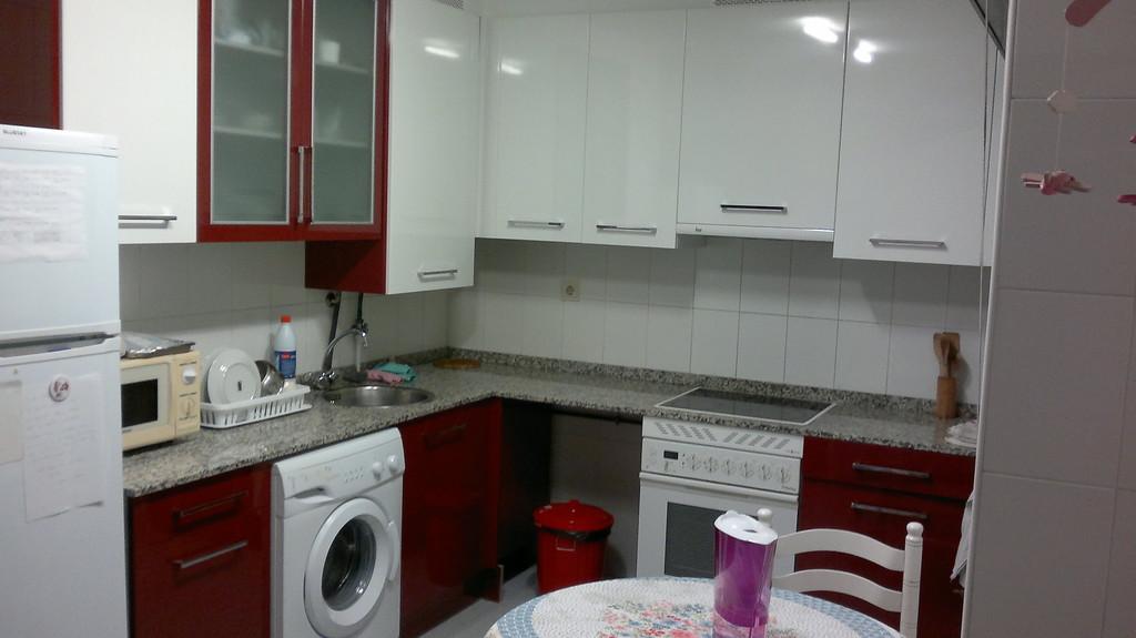 Habitaci n en piso compartido con wifi en oviedo campus for Piso 3 habitaciones oviedo