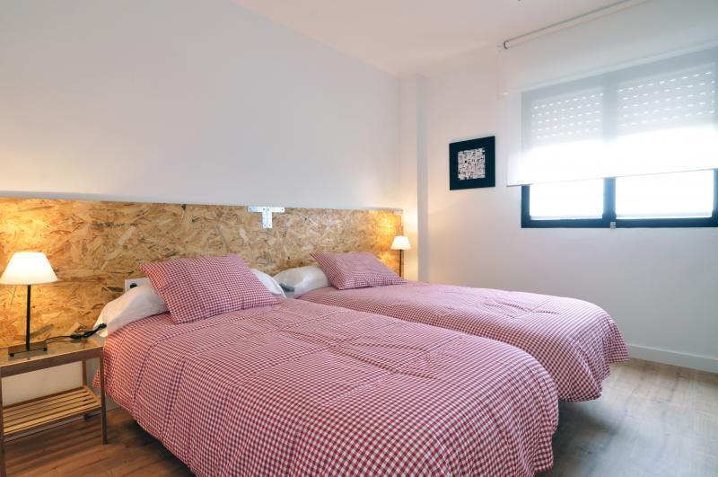 Habitaci n en piso reci n reformado en m laga alquiler for Piso 4 dormitorios teatinos malaga