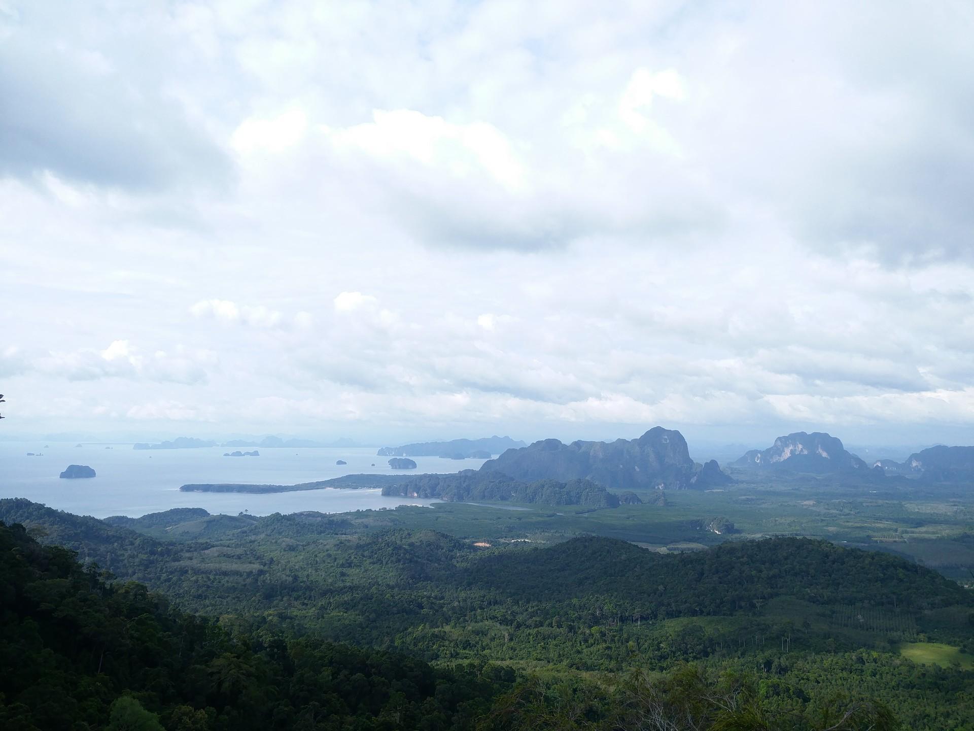 hiking-dragon-crest-mountain-trail-24183