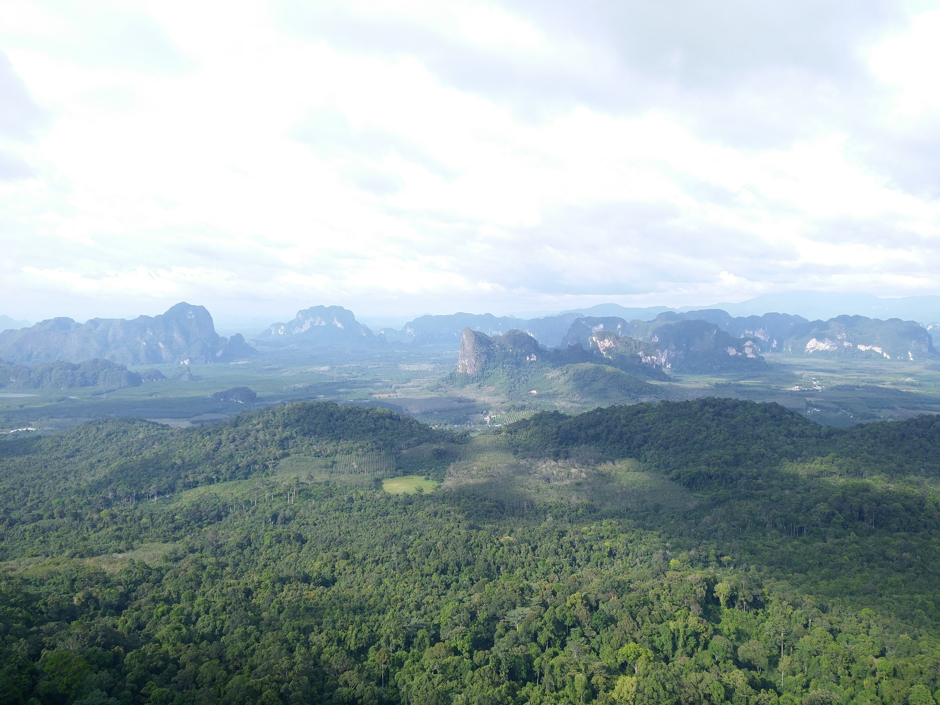 hiking-dragon-crest-mountain-trail-88f8b