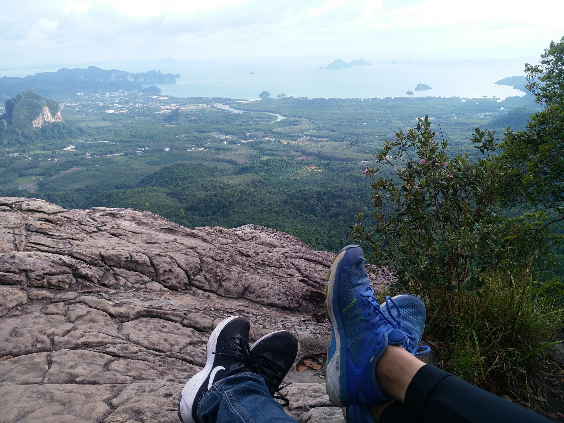 hiking-dragon-crest-mountain-trail-de51e