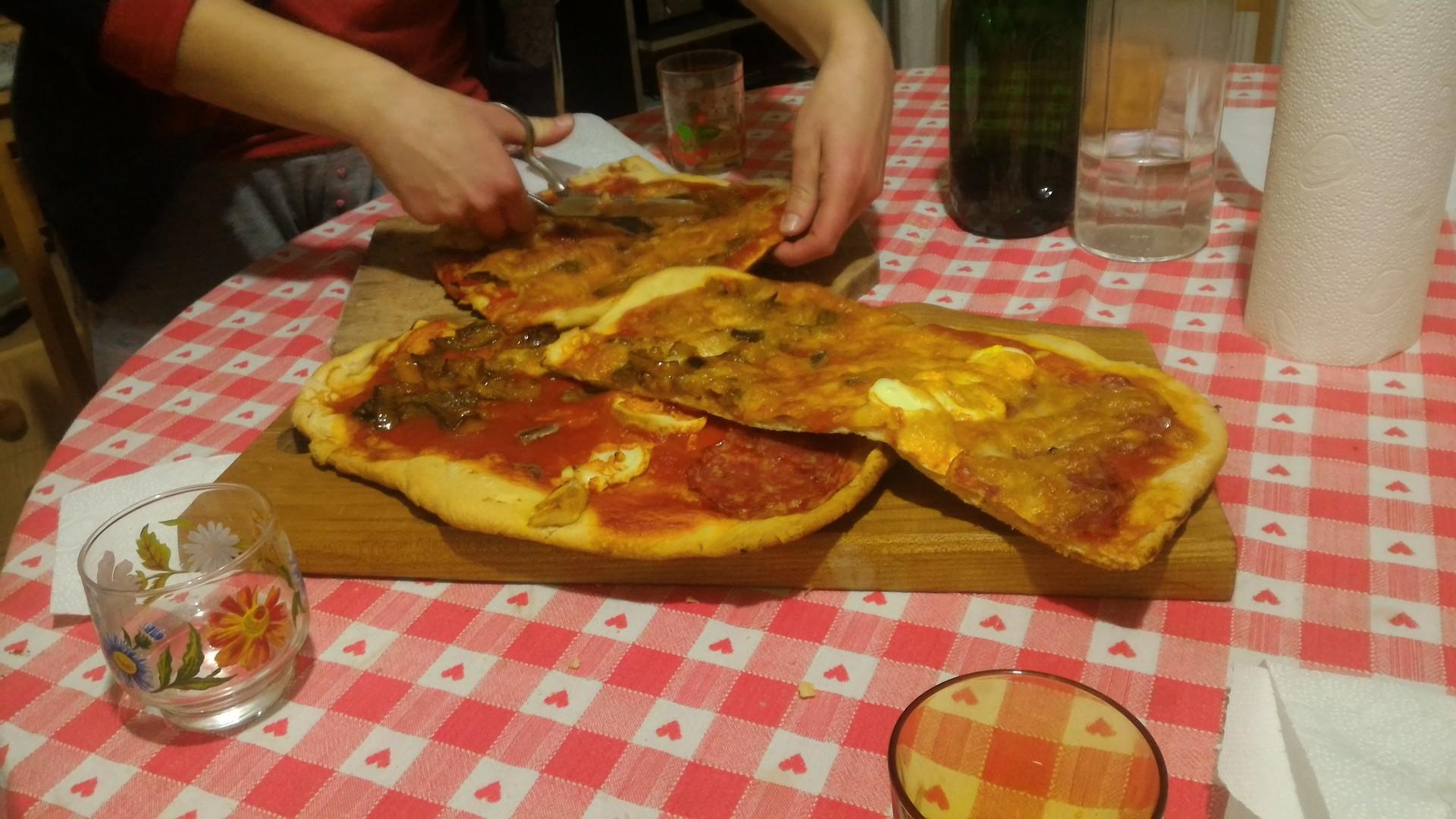 home-pizza-a3534acb3e07353056cfca6d38a9e