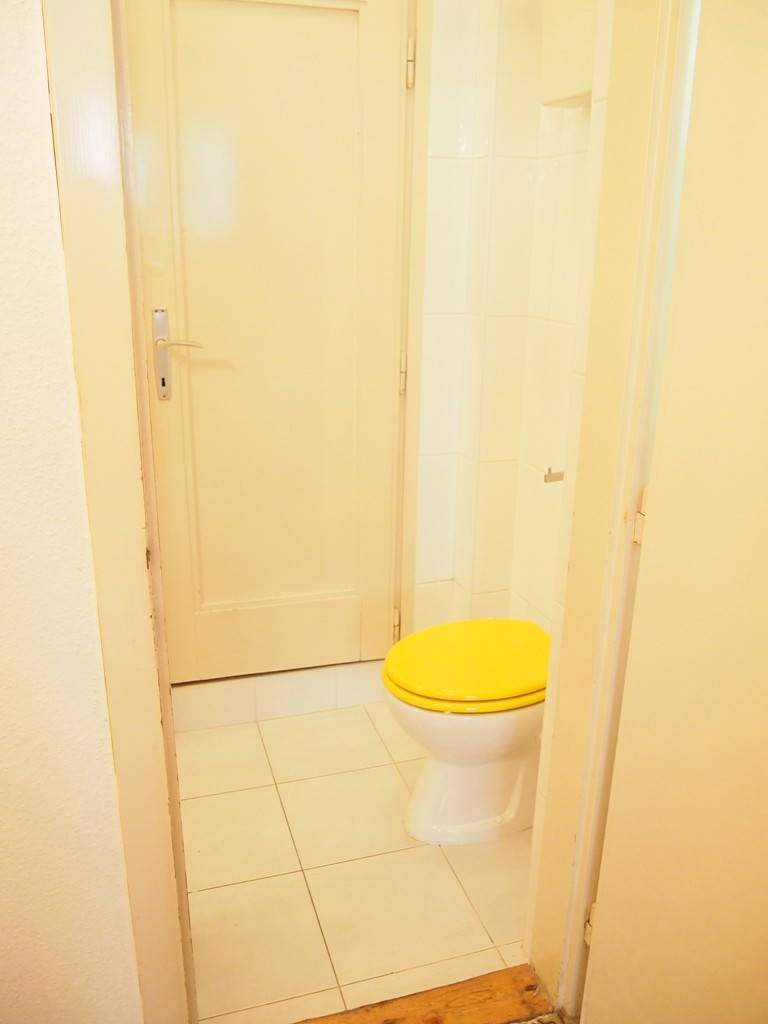 House with 4 rooms,  two bathrooms and two toilets kitchen, terr