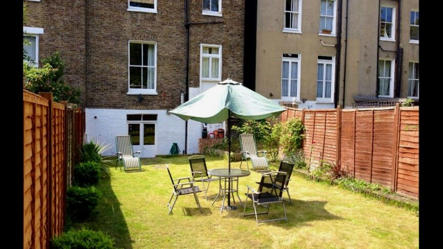house-sharing-four-bed-rooms-private-gar