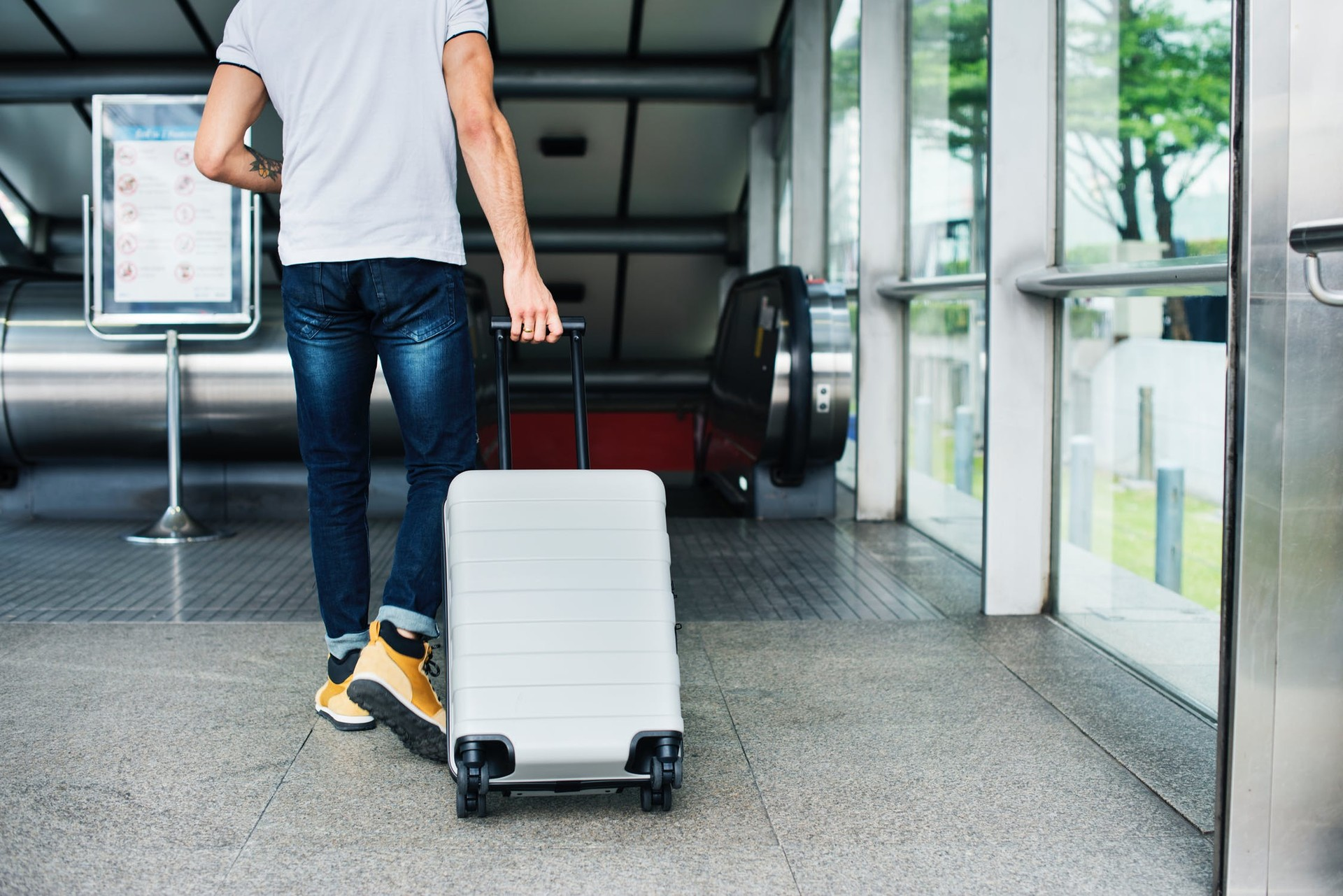 how-moving-abroad-will-benefit-your-cv-3