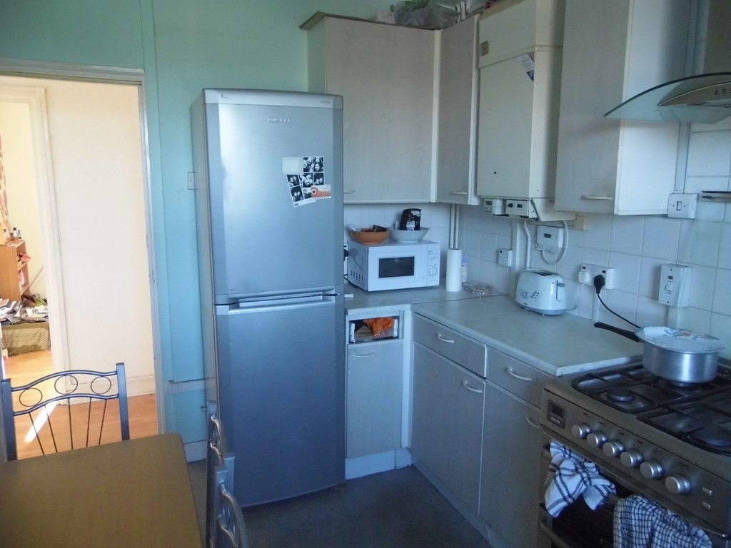 huge-double-room-for-rent-875-monthly-no