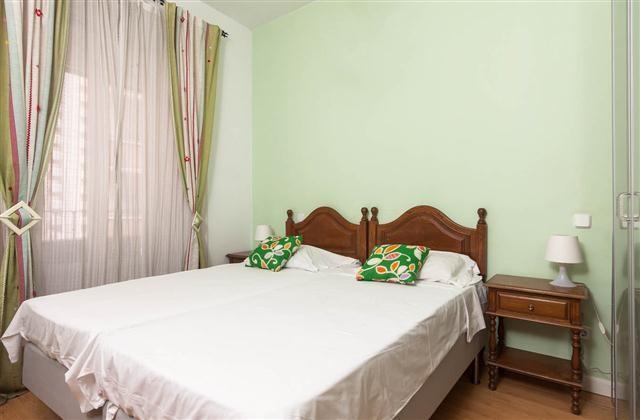 Ideally located 2 bedroom apartment with balconies Plaza de España-Gran Via ALL BILLS INCLUDED