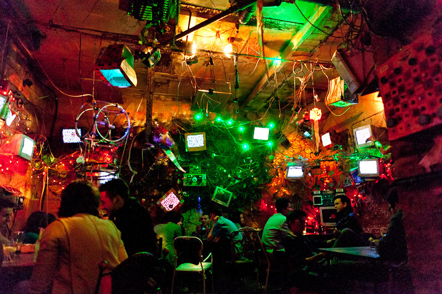 il bar rovinato del Szimpla