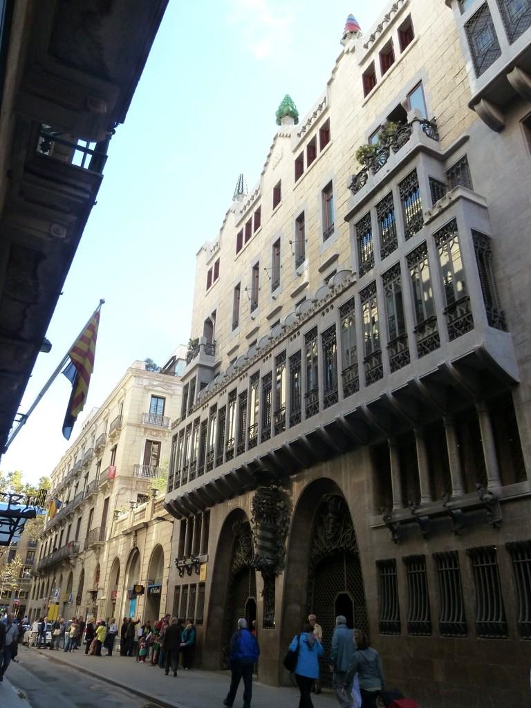 in-heart-barcelona-3-5c910550b48cf779af2