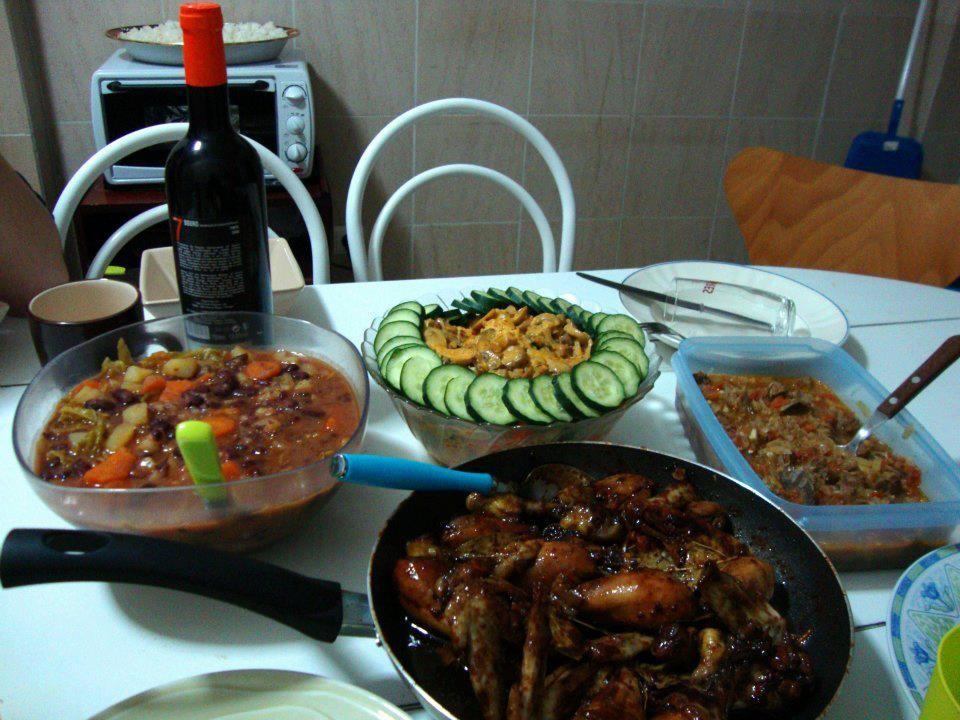 international-dinner-4c192594187fe043119