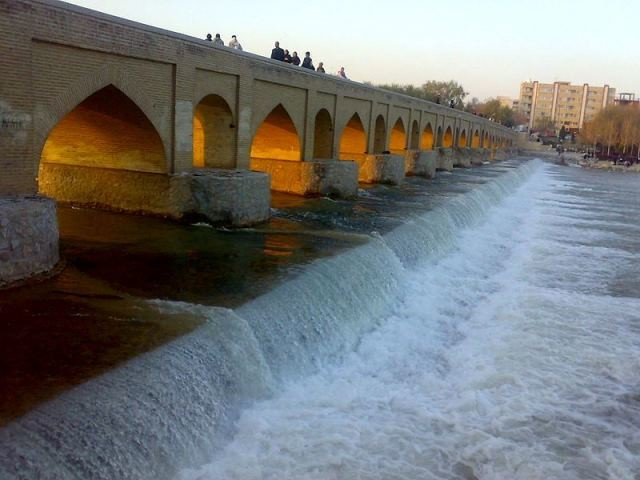 Isfahan diaries (II): Bridge hopping