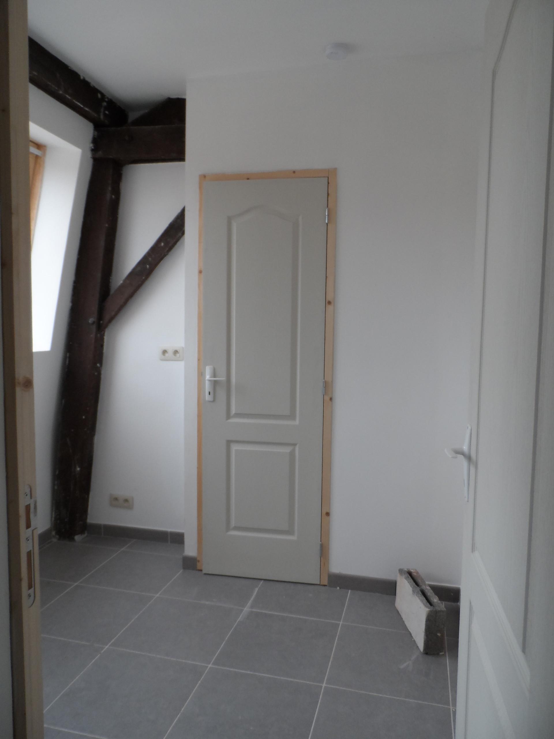 JOLIE CHAMBRE AVEC SALLE DE BAIN ET WC PRIVE   Location chambres Mons