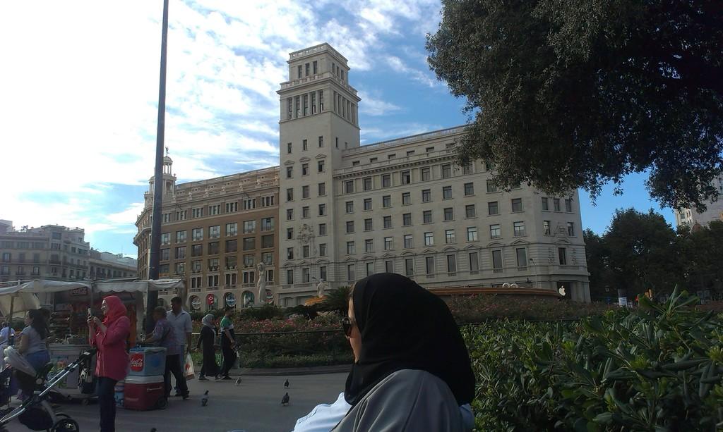 just-square-barcelona-eeff0f4a9e748a77e3