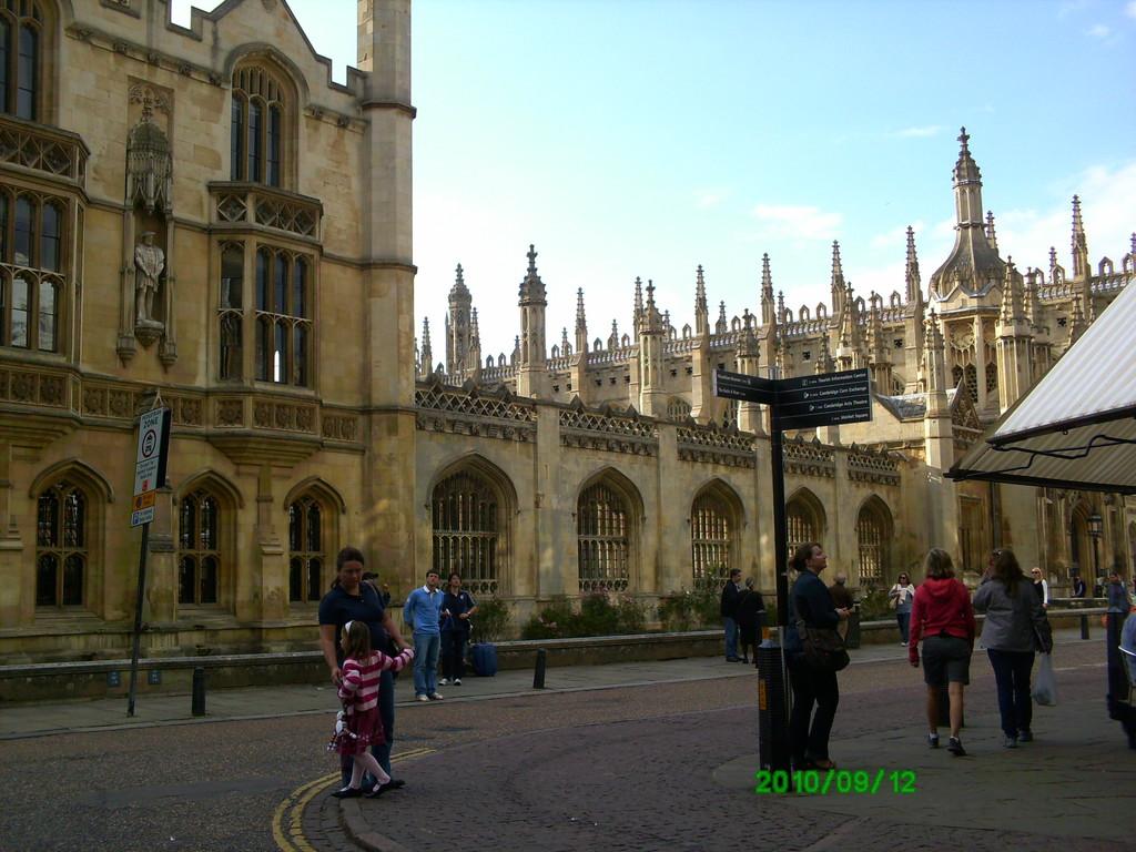 kings-college-beauty-28bfacfc14e8546259b