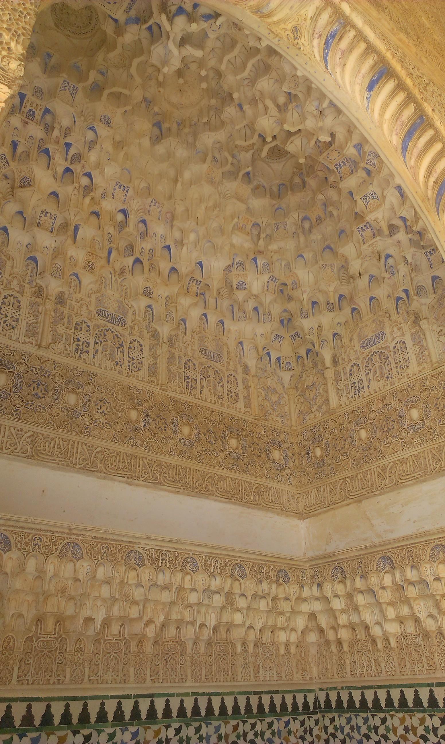 la-alhambra-cittadina-paradisiaca-25f5d6