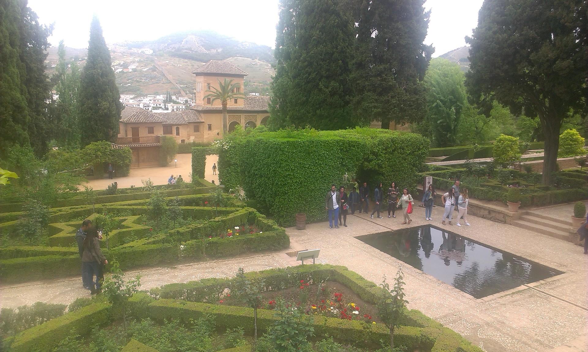 la-alhambra-cittadina-paradisiaca-2d9718
