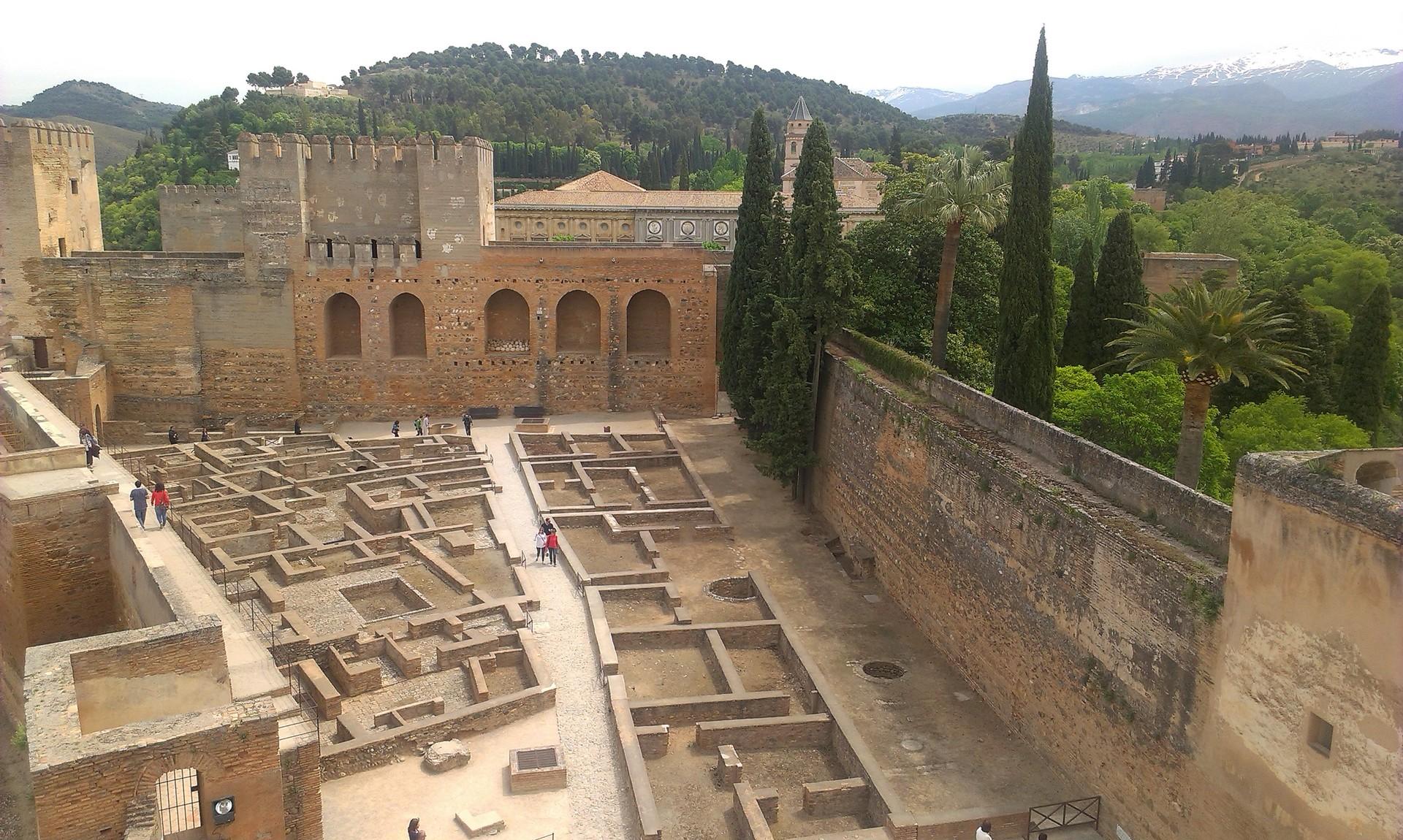 la-alhambra-cittadina-paradisiaca-3f62c3