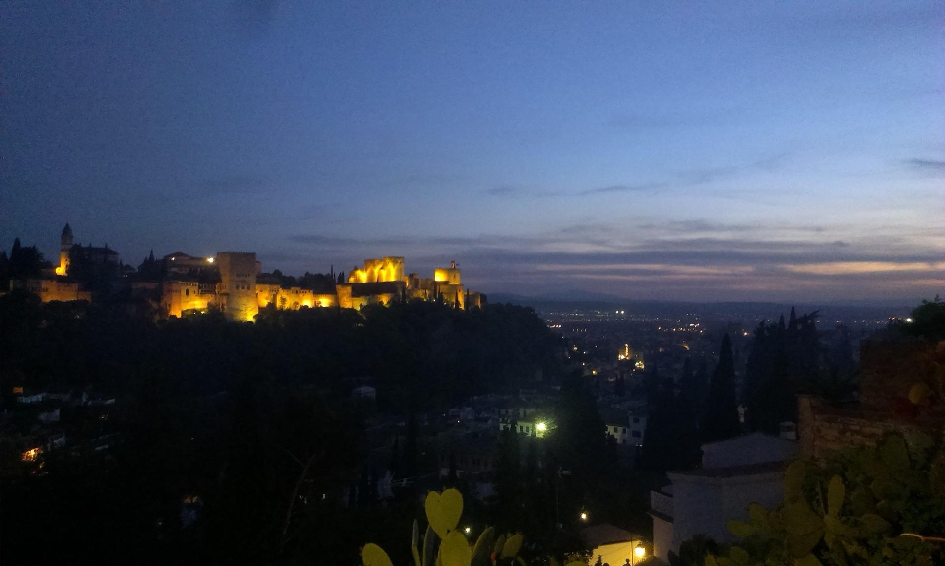 la-alhambra-cittadina-paradisiaca-432dbf