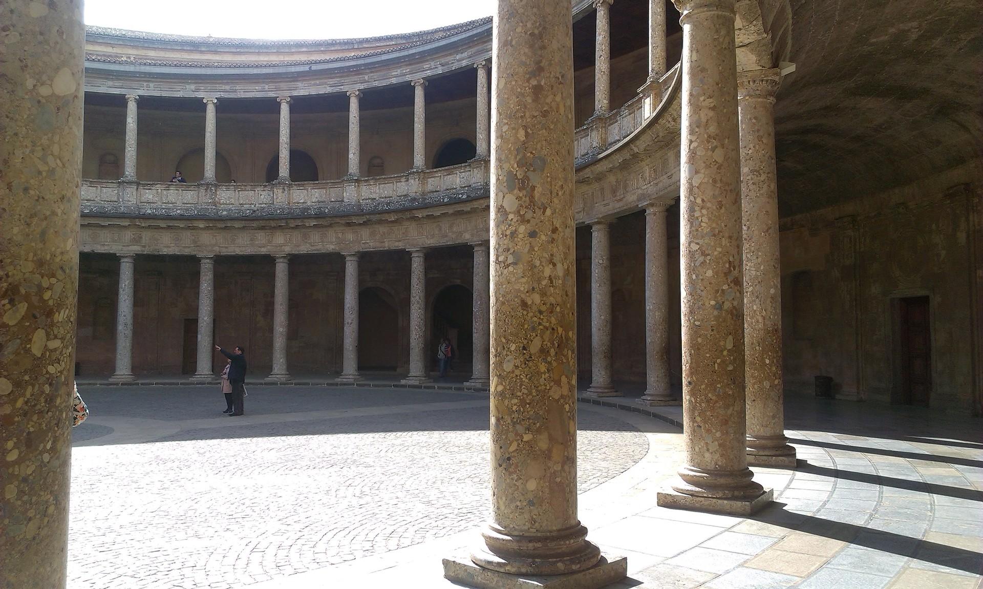 la-alhambra-cittadina-paradisiaca-9f213c