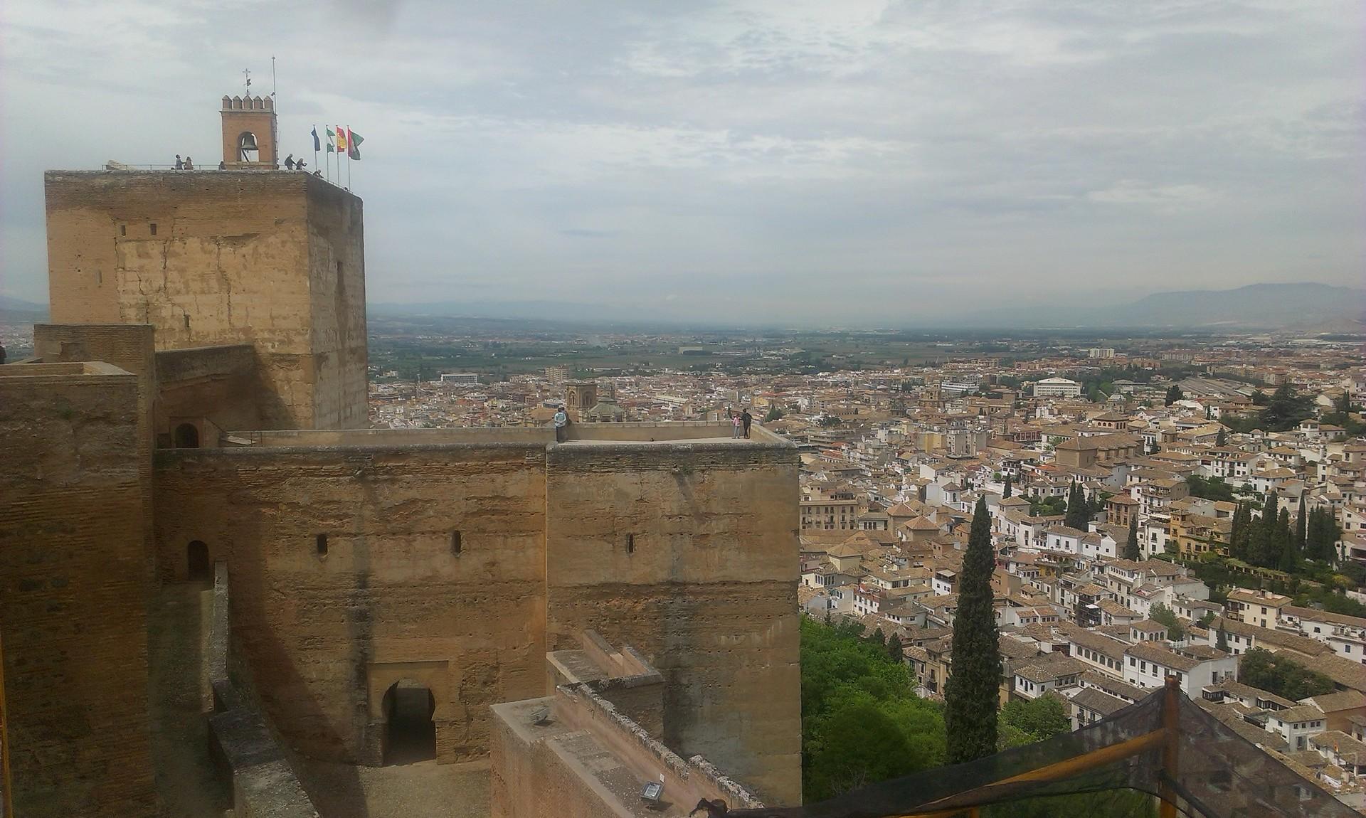 la-alhambra-cittadina-paradisiaca-e01d7b