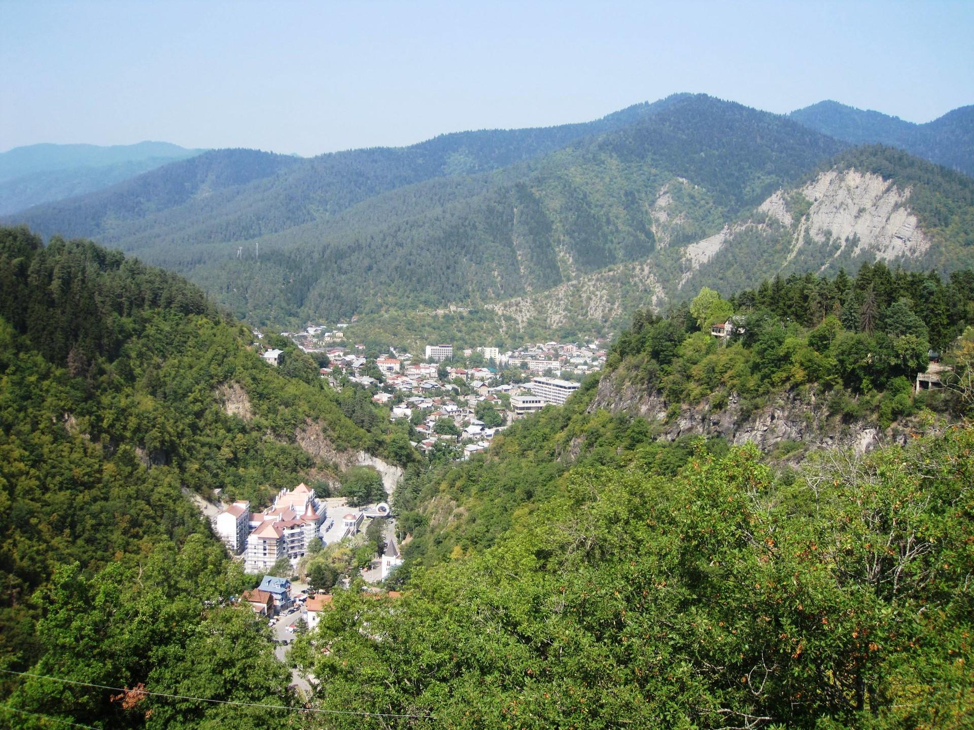 La bellezza naturale del parco nazionale di Borjomi Kharagauli