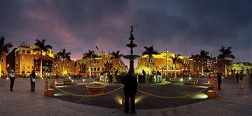 la-historia-plaza-armas-lima-contada-lim