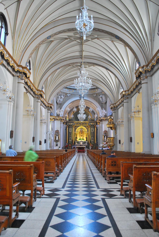 la-iglesia-tres-santos-peruanos-af0196d7
