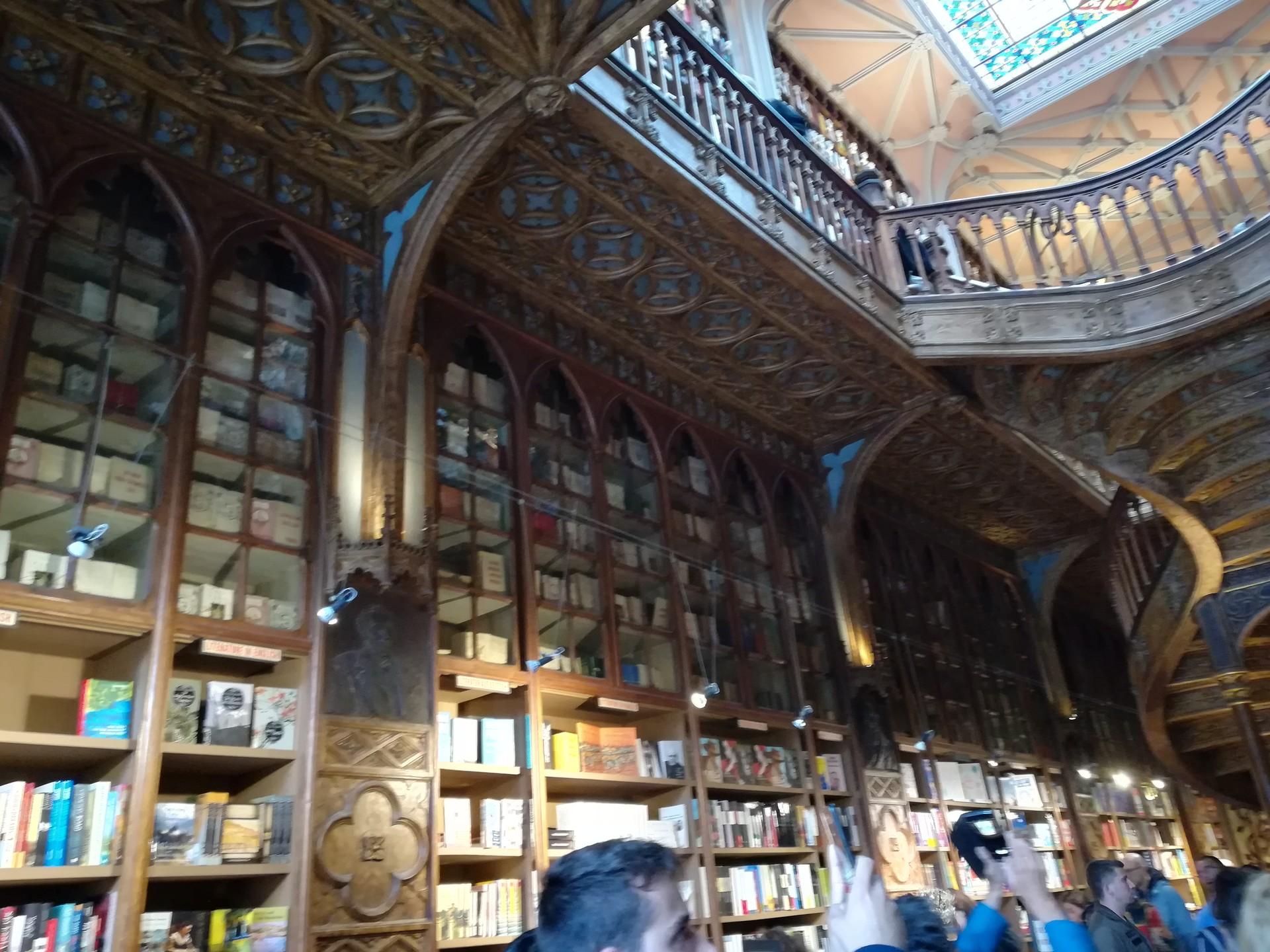 la-librairie-inspire-j-k-rowlings-7ad45bea37fdc6e166efc0020ed87106.jpg