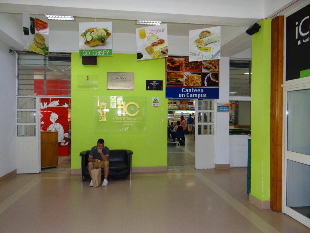 La mensa studentesca dell'Università di Malta