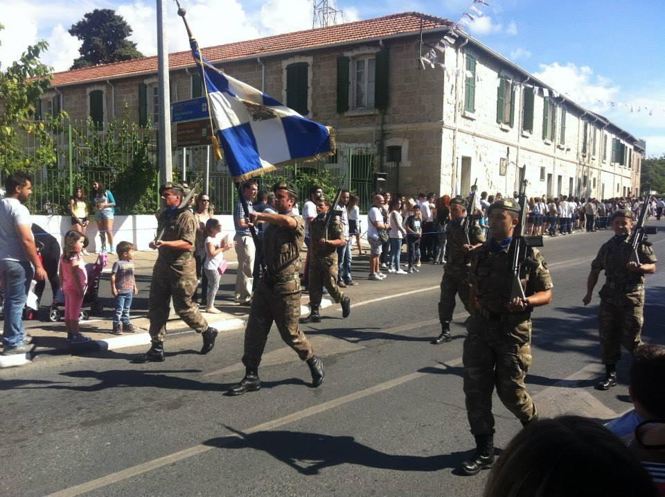 La parata nel giorno dell'Oxi a Paphos