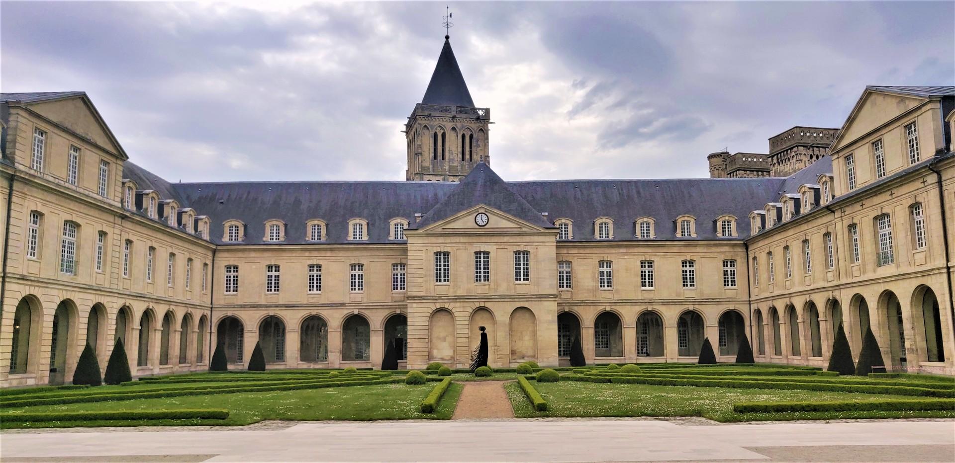 la-ville-aux-cent-clochers-3babe2ade5be4