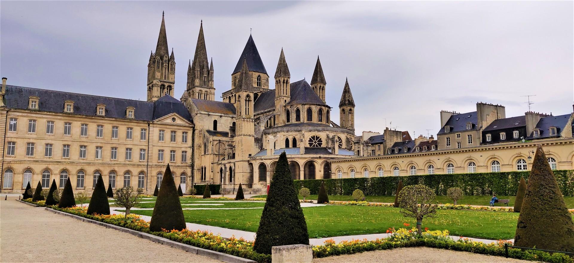 la-ville-aux-cent-clochers-4ee28c88b8540