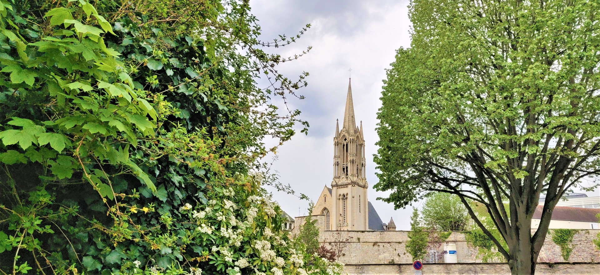 la-ville-aux-cent-clochers-6261578be0f61