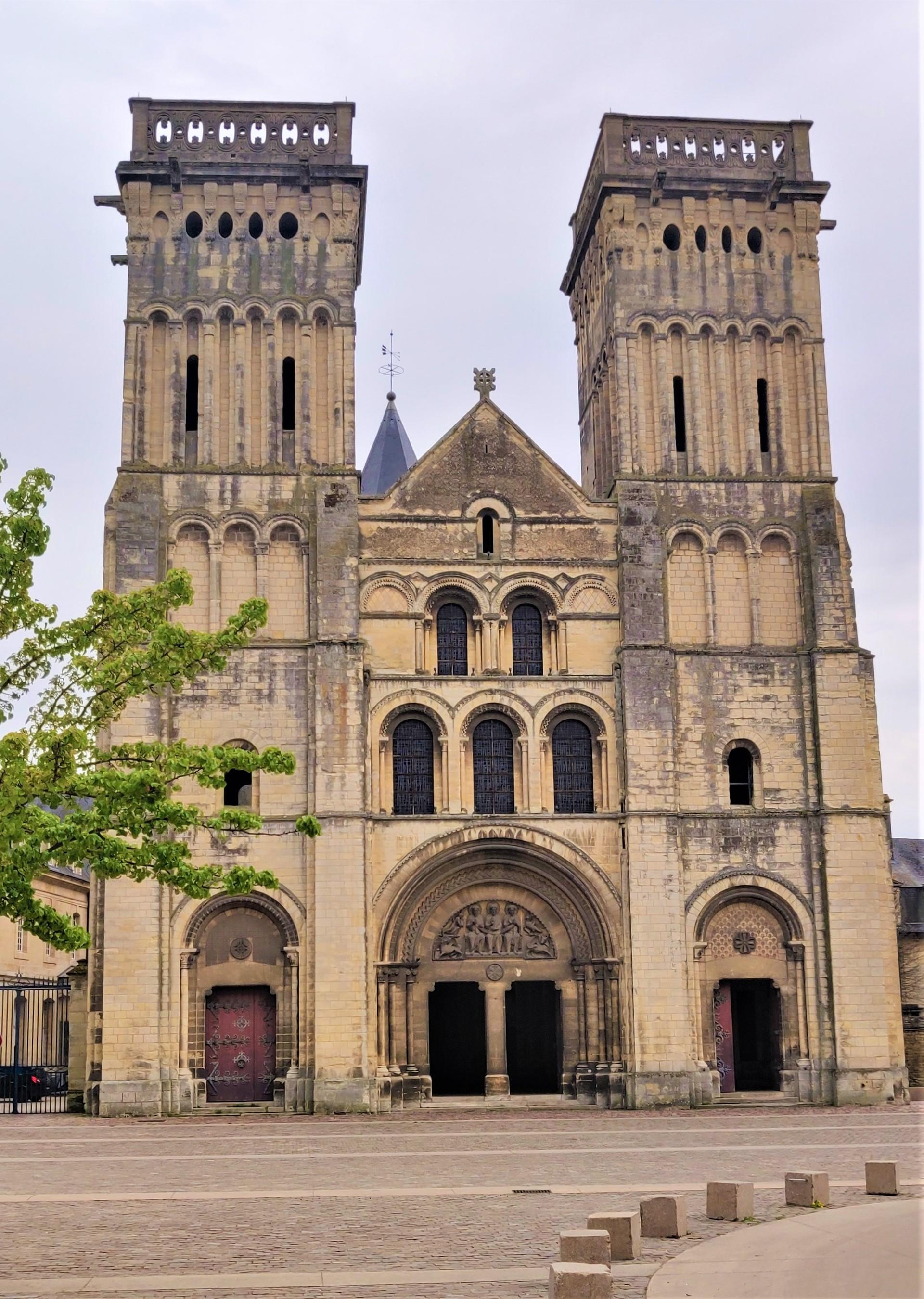 la-ville-aux-cent-clochers-9e0fab6f86d2f