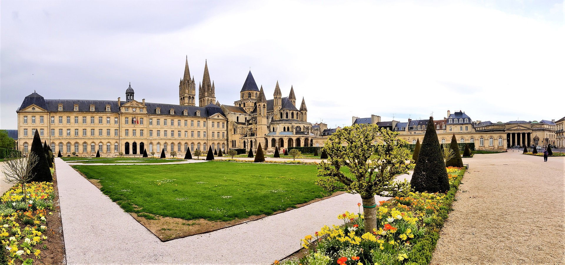 la-ville-aux-cent-clochers-f5f8f35784fe1