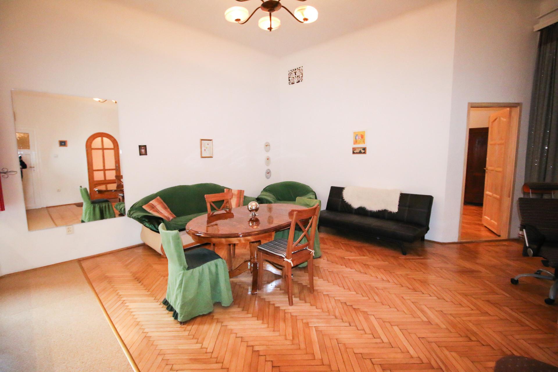 large-3-rooms-apartment-nyugati-72c8f3e1bd52f005a05297ab772724b7