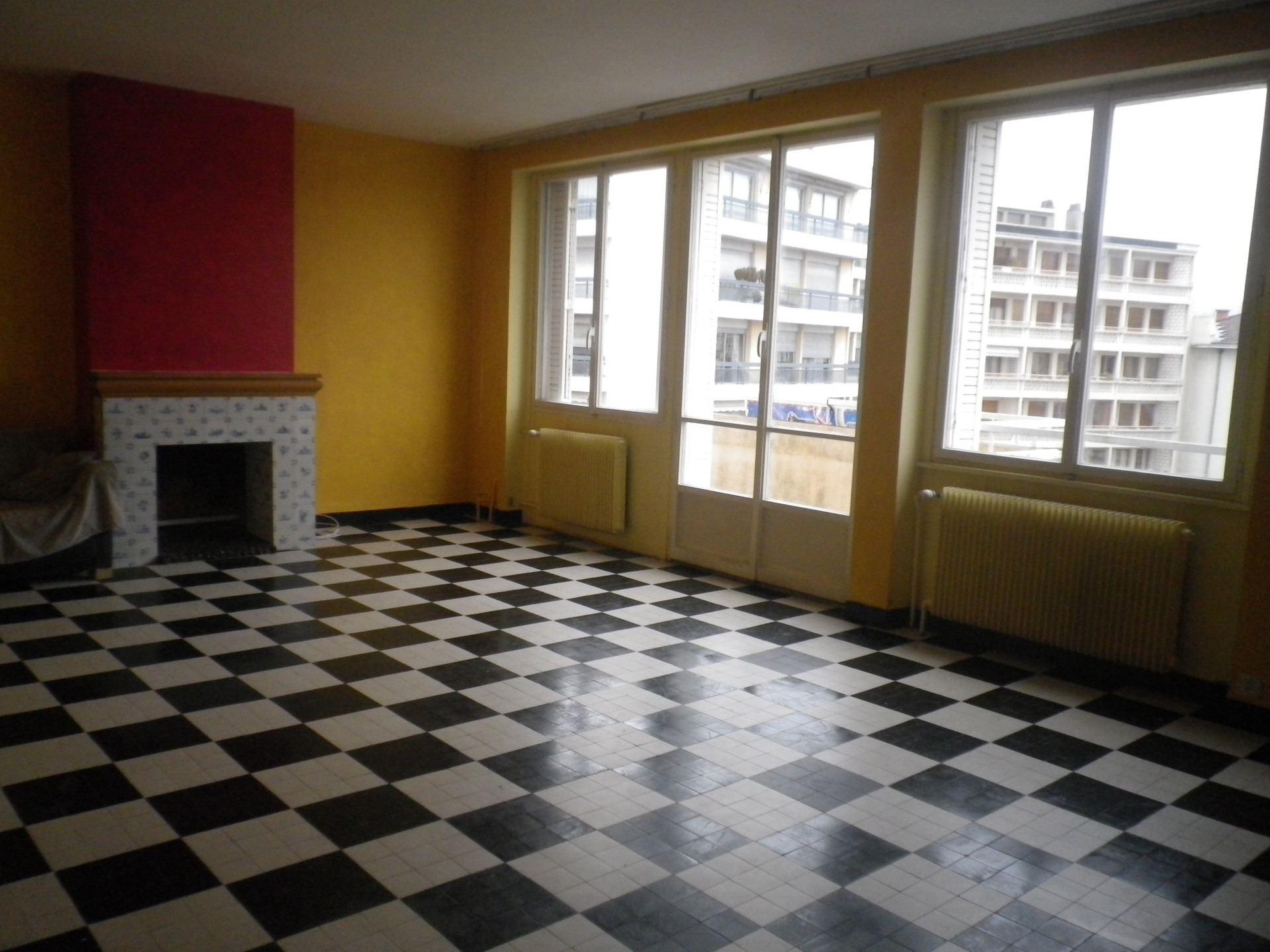 large apartment 103m with big living room - Big Tiles For Living Room