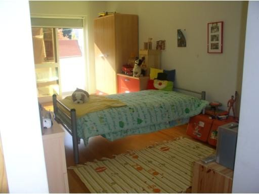 large-bedroom-covilha-bills-included-price-aa9c52e05a2f855424a05bafeef1d161
